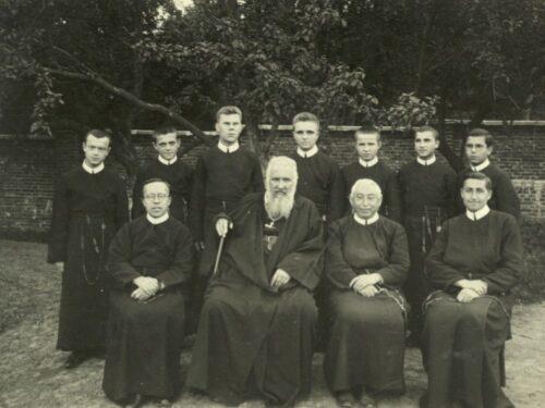 Митрополит Андрей і монахи